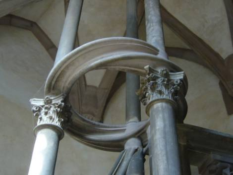 Villarceau circles, Strassbourg Notre Dame